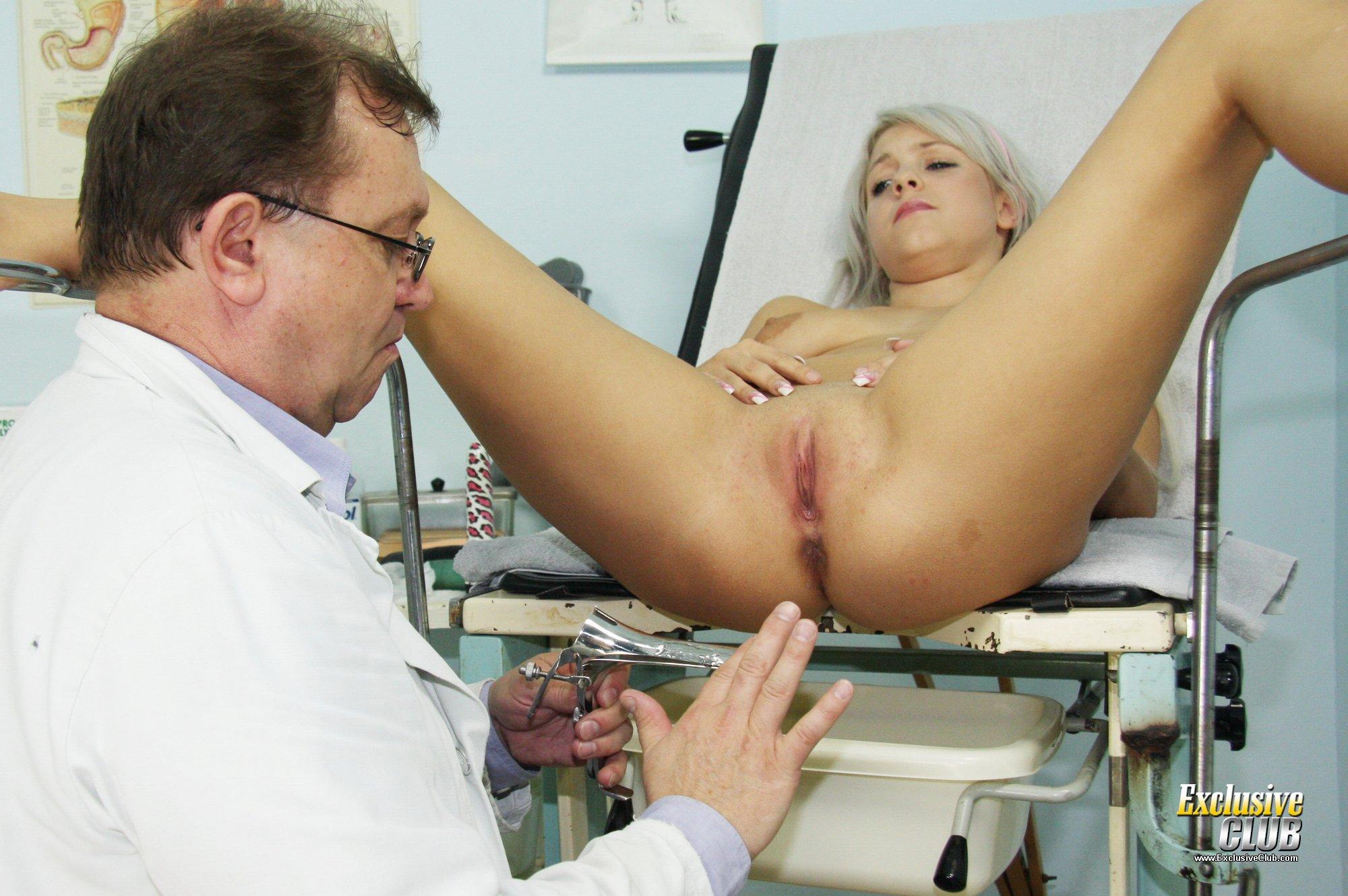 порно у гениколога обанули студенкц иотрахали в киску