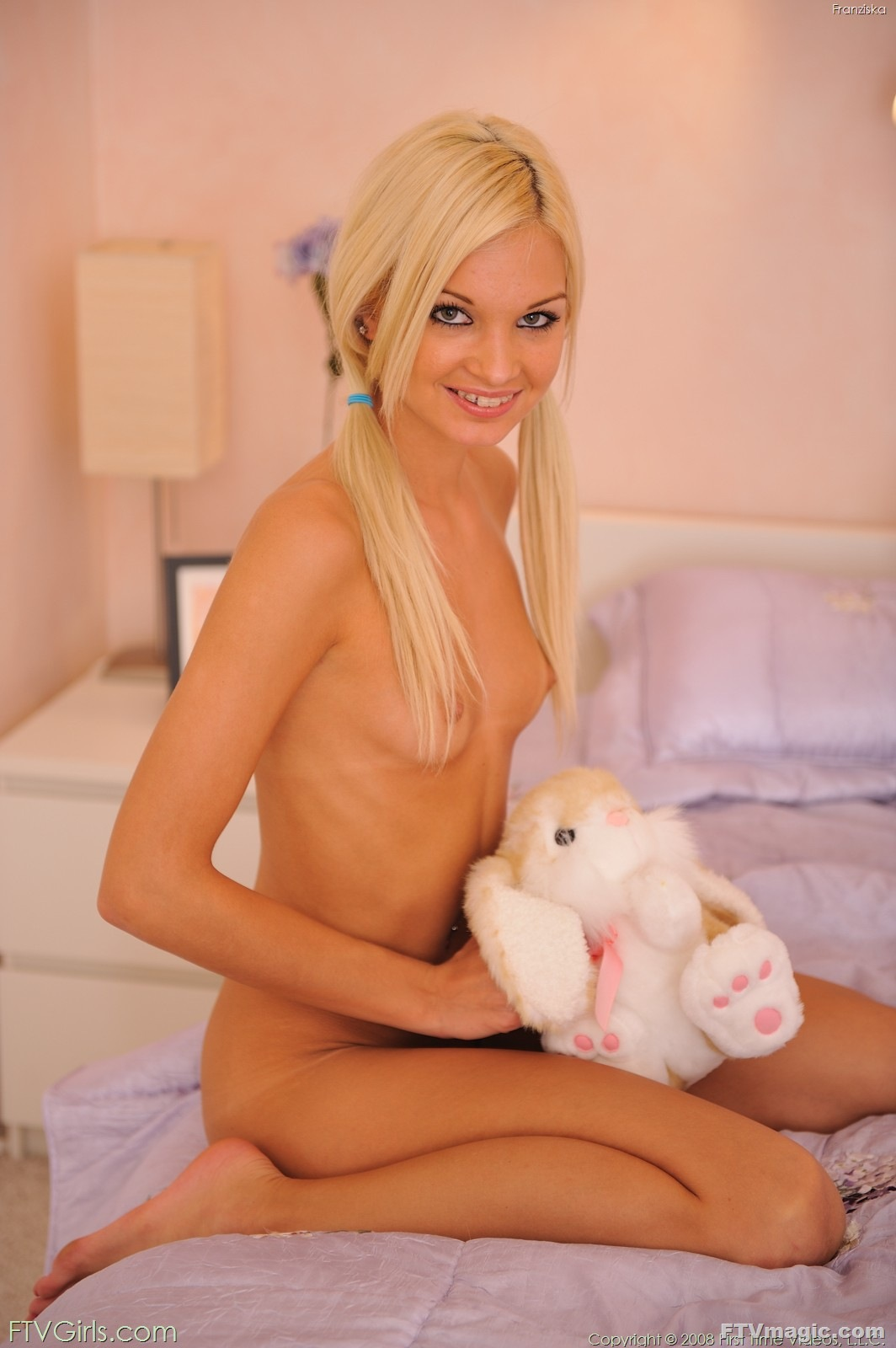 slim-blonde-teen-and